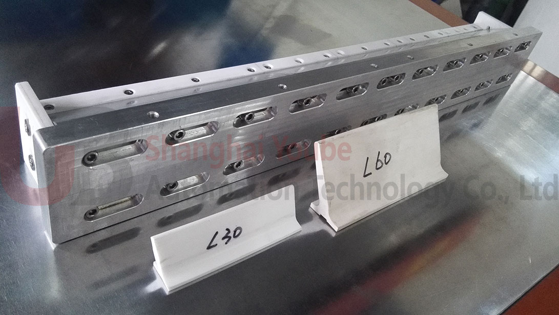 conveyor belt cleats electrodes